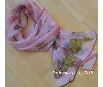 Růžová s doplňky